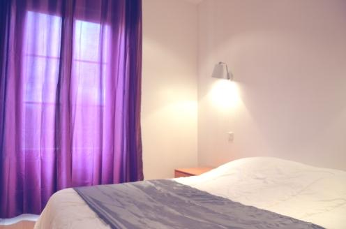 L'APPART - la chambre avec un lit