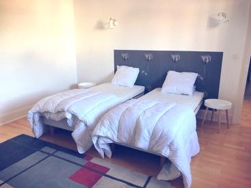 LE CONTI - la chambre avec deux lits